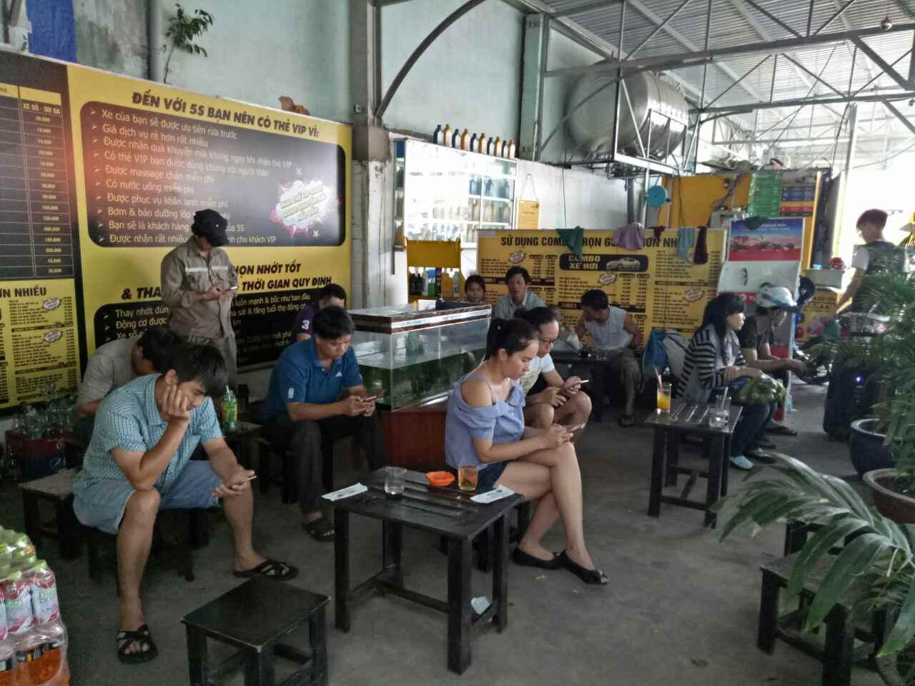 mở tiệm rửa xe kiêm cafe