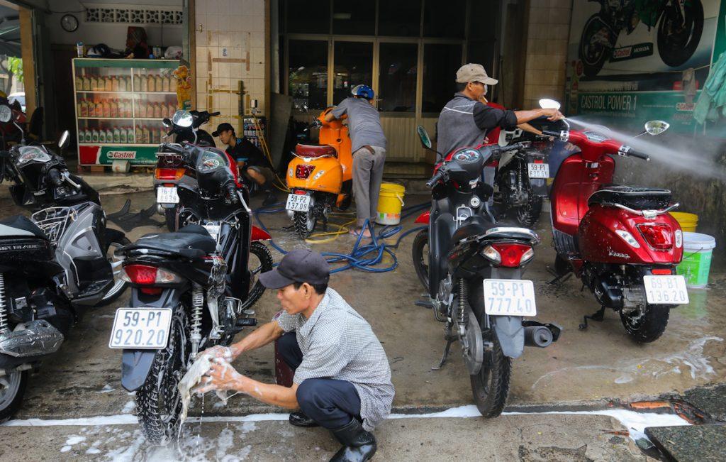 tiệm rửa xe máy